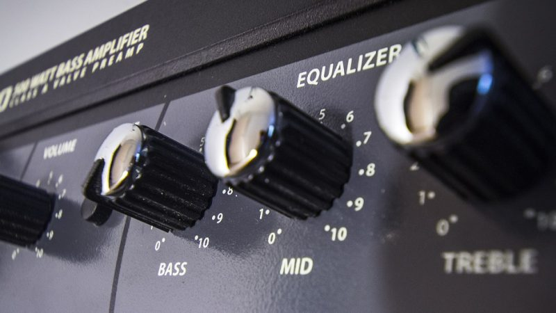 How To Hook Up Equalizer To Preamp In 5 Minutes