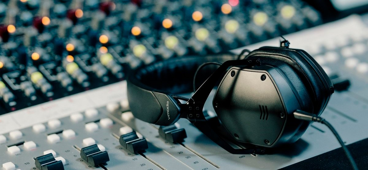 Best Headphones For Music Production Reviews