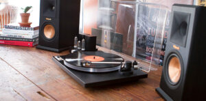 How to Connect Turntable to Speakers without Receiver