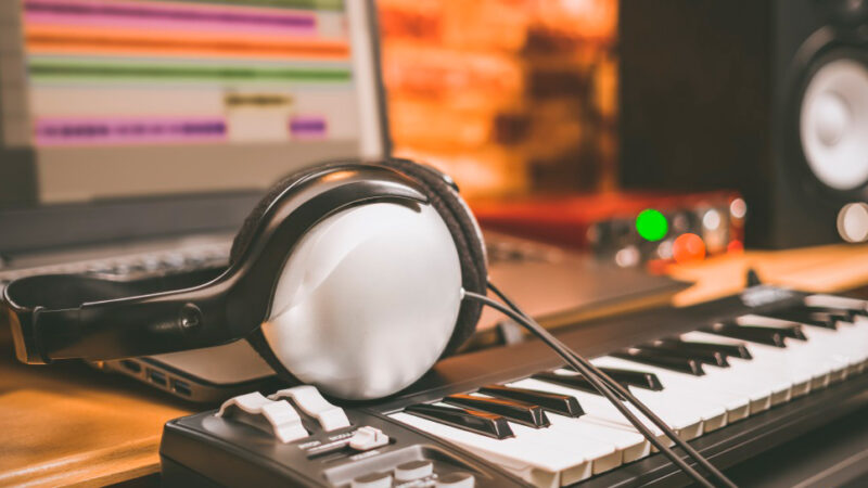 Ultimate Guide: How to Use a MIDI Keyboard